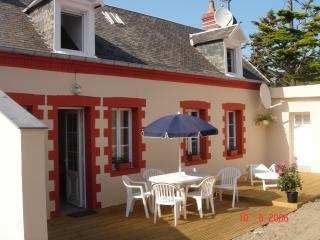 Cozy 2 bedroom Agon-Coutainville Gite with Internet Access - Agon-Coutainville vacation rentals