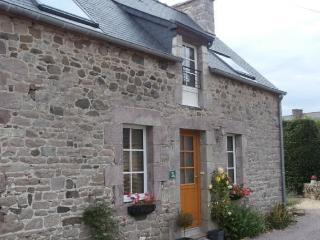 Lovely 1 bedroom Gite in Plevenon - Plevenon vacation rentals
