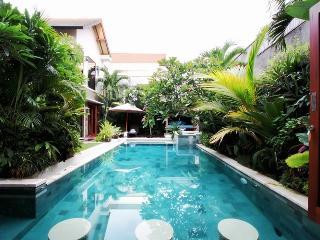 Fabulous 4bedrooms Villa in Central Seminyak - Bali vacation rentals