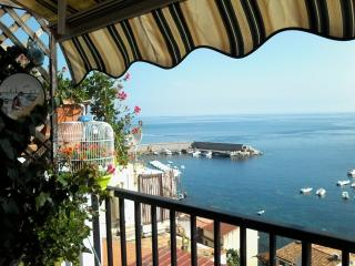 Cozy 2 bedroom Vacation Rental in Scilla - Scilla vacation rentals