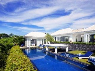 Perfect Villa with Deck and Internet Access - Kuta vacation rentals