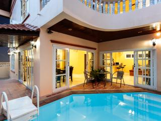 Simon villa - 4 bedrooms and private pool - Patong vacation rentals