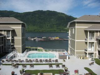Mara Lake Sicamous BC vacaction lakefront rental - Sicamous vacation rentals