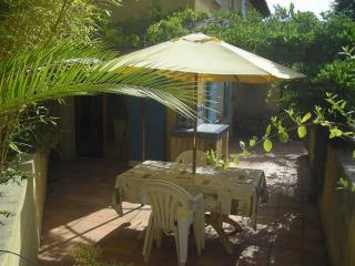 Romantic 1 bedroom Villecroze Apartment with Television - Villecroze vacation rentals
