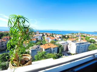 Sunset Apartment with 2 bedrooms and sea view - Split vacation rentals