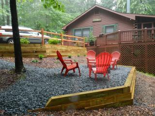 Cedar Cove Cabin: Full log home - Cherry Log vacation rentals
