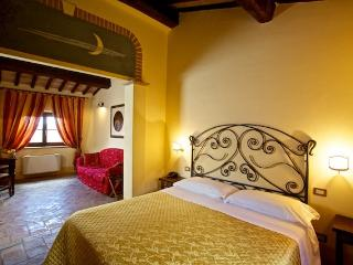 Charming 6 bedroom Bed and Breakfast in Saturnia - Saturnia vacation rentals