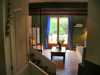 Cozy 2 bedroom Condo in Villecroze - Villecroze vacation rentals