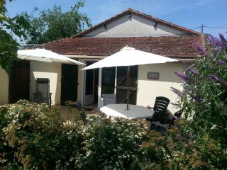 Le Noyer - Cottage Holiday Rental - Vergt vacation rentals