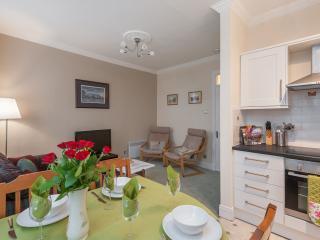 Blair St Scott, just off Royal Mile - Edinburgh vacation rentals