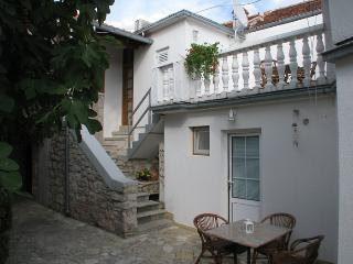 Comfy apartment in the heart of Dalmatia Murter - Jezera vacation rentals