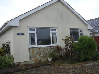 Delfan 3 bedroom bungalow minutes from the sea - Morfa Bychan vacation rentals