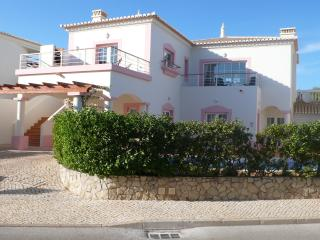 Quinta da Encosta Velha lote 080 - Budens vacation rentals