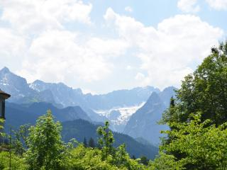 Romantic 1 bedroom Apartment in Garmisch-Partenkirchen with Internet Access - Garmisch-Partenkirchen vacation rentals