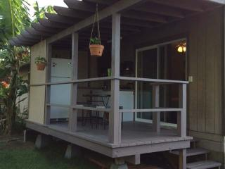 Perfect Studio with Internet Access and Garden - Haleiwa vacation rentals