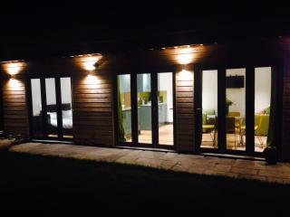 Nice Lodge with Internet Access and Television - Germoe vacation rentals