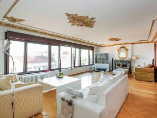 TAKSIM Cihangir room flat with view - Istanbul vacation rentals