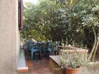 Casa con cortile - Olbia vacation rentals