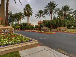 Scottsdale Condo with golf course view - Scottsdale vacation rentals