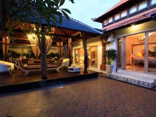 Villa Manggis, 5 bedrooms, Sanur, Bali - Sanur vacation rentals