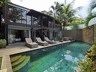 Mertanadi 3BR Luxury Villa 2mins frm eat st Seminy - Kerobokan vacation rentals