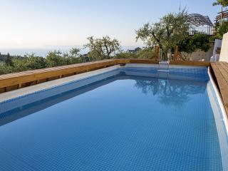 Two Bedrooms Apartment (Villa Carolina Sorrento) - Priora vacation rentals