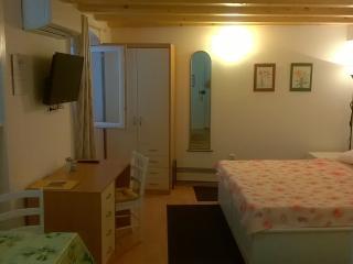 Studio Apartment - Pjaceta 2, Cres - Cres vacation rentals