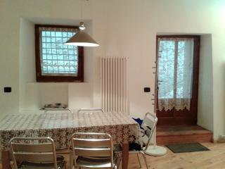 Romantic 1 bedroom Townhouse in Ossana - Ossana vacation rentals