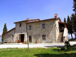 Beautiful 8 bedroom Villa in Castiglione D'Orcia with Internet Access - Castiglione D'Orcia vacation rentals