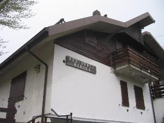 Cozy 3 bedroom Chalet in Abetone with Short Breaks Allowed - Abetone vacation rentals