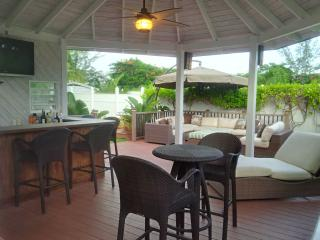 Town-home with deck and bar steps from beach - Nassau vacation rentals