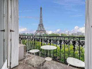 Tour Eiffel - New York Penthouse (FREE TRANSPORT) - Paris vacation rentals