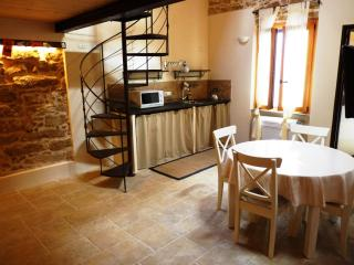 Cozy Apartment with A/C and Television - Alghero vacation rentals