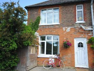 Nice Cottage with Internet Access and Television - Fishbourne vacation rentals