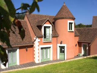 Bright 4 bedroom House in Belleme with Internet Access - Belleme vacation rentals