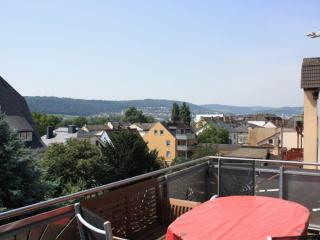 Vacation Apartment in Rüdesheim am Rhein - 1023 sqft, nice view, quiet, central - Rüdesheim am Rhein vacation rentals