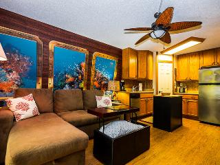 Stay In This Unique STUDIO Decorated Like A Submarine - Dishwasher Too - Kailua-Kona vacation rentals
