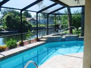 Waterfront w/ Heated Pool, Kayaks, Bikes, & More! - Crystal River vacation rentals