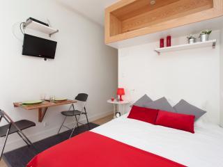 NEW!!! Lisbon's Boutique Apartment in Bairro Alto, Principe Real - Lisboa vacation rentals