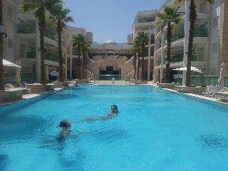 penthouse eilat  pool 2 mn beach jacussi luxury pa - Eilat vacation rentals
