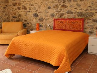 Nice House with Housekeeping Included and Television - Tortorici vacation rentals