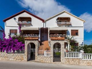 CR100eKukljica - NEW - AMAZING 1 BED. APARTMENT! - Kukljica vacation rentals