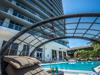 BEACHWALK RESORT 2/2 FREE BEACH SERVICE  ON 25 FL - Hallandale vacation rentals