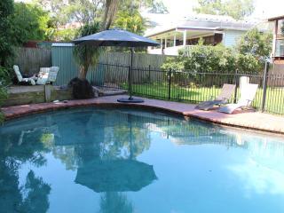 2BDR, 2BTH, 24 HR Checkin, Ground Fl, Pool, Wifi - Brisbane vacation rentals