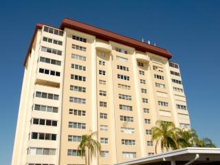 Recently renovated, tastefully furnished large one - Lido Key vacation rentals