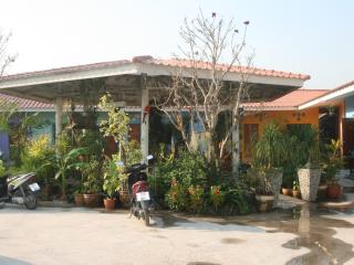 Garden  Resort Pong - Chon Buri vacation rentals