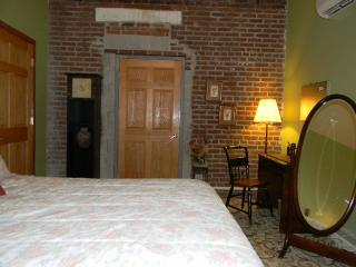 1800s Tavern with WONDERFUL UPGRADED lodging - Mount Pleasant vacation rentals