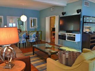 Mediterranean Villa-4 BR/2 bath home. Parking - Heart of South Beach  close to Beach - Miami Beach vacation rentals
