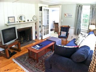 Affordable, Lovely 3 BR, 1 Bath, close to Kelly's Bay Pond - DE0597 - Dennis vacation rentals