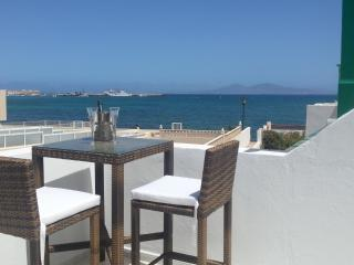 Lovely 2 bedroom Condo in Corralejo with Internet Access - Corralejo vacation rentals